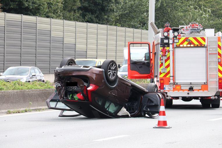 De chauffeur kwam op zijn dak terecht op de E40.