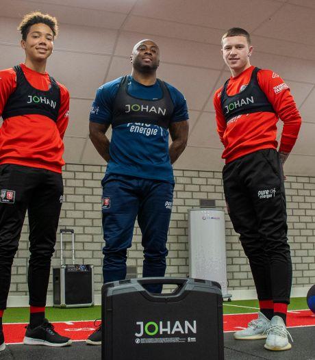 Innovatie bij FC Twente: zit speler er doorheen? De trainer ziet het meteen op zijn iPad