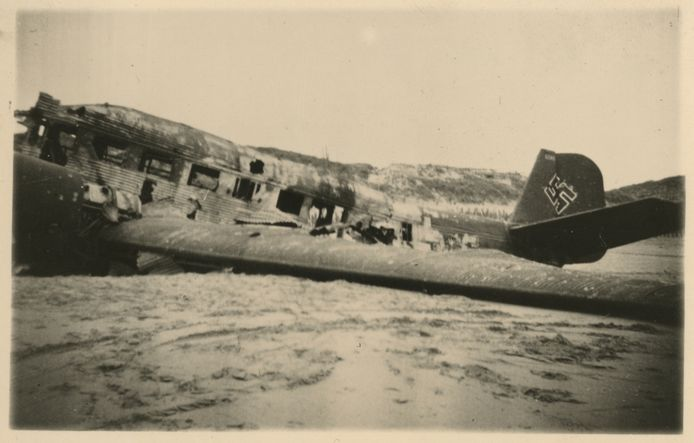 Neergestort Duits toestel op Ockenburg.