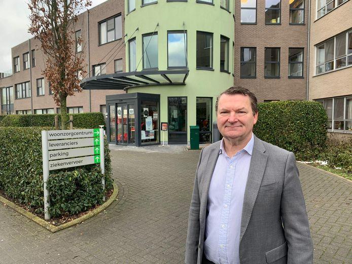 Burgemeester Joris Hindryckx bij wzc De Groene Verte