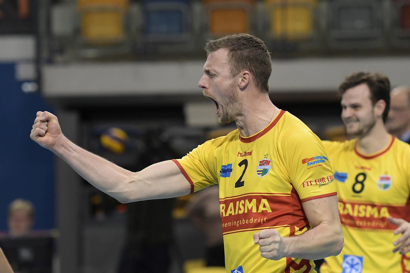 Net als drie dagen eerder tegen Orion (foto), konden Jeroen Rauwerdink en Dynamo zaterdag weer juichen in de eredivisie. De koploper zette nummer laatst Zaanstad snel met 3-0 opzij.
