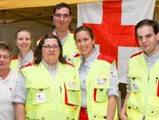 Rode Kruis Gavere-Nazareth voert stickeractie bij verschillende handelaars