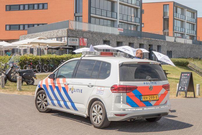 Vorig jaar Pinksteren liep het uit de hand in Wemeldinge. Het parkeerterrein onderaan het strandje werd afgesloten, met alle hinder van dien. Als het dit jaar weer te druk wordt, wil de burgemeester bezoekers aan de poort tegenhouden.
