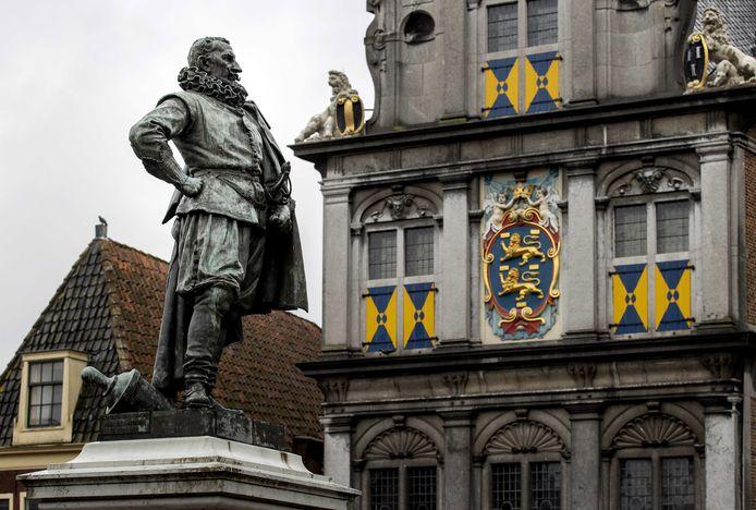 Het standbeeld van Jan Pieterszoon Coen in Hoorn, foto ter illustratie