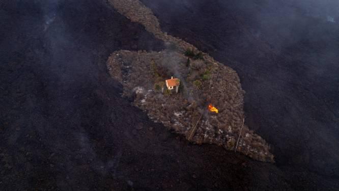 Spectaculair beeld toont hoe eenzaam huisje net niet verzwolgen wordt door lavastroom op La Palma