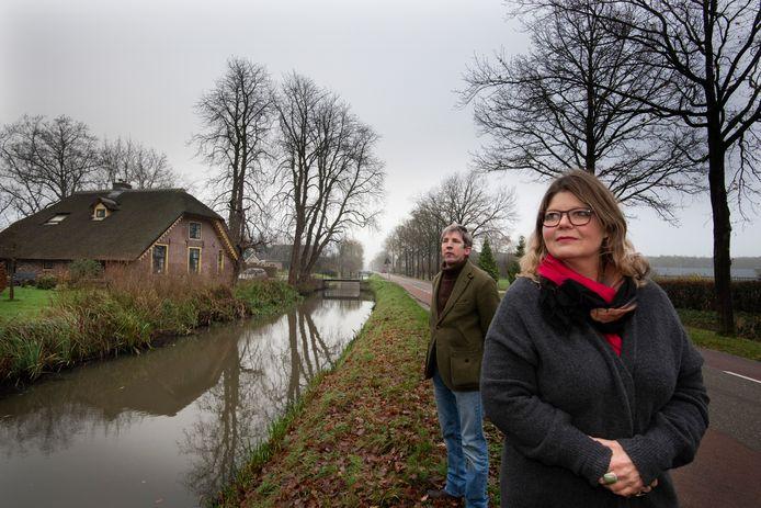 Manja te Velde en Jan Peter van Suchtelen bij de Langbroekerwetering