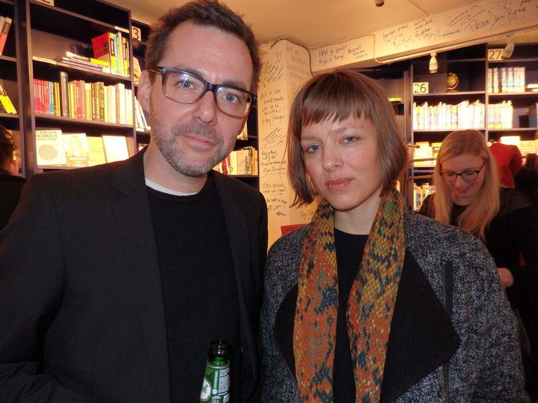 Schrijfster Anneke Claus en schrijver Ivo Victoria, die Vlaming is, en dat leest altijd lekker voor. Beeld -