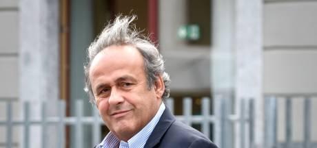 """Michel Platini """"ne s'interdit pas"""" un retour et défend le Mondial au Qatar"""