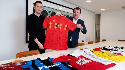 Bied op een gesigneerd shirtje van Hazard en steun het goede doel
