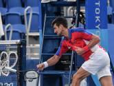 Une raquette détruite, une autre dans les tribunes: le craquage en deux actes de Djokovic