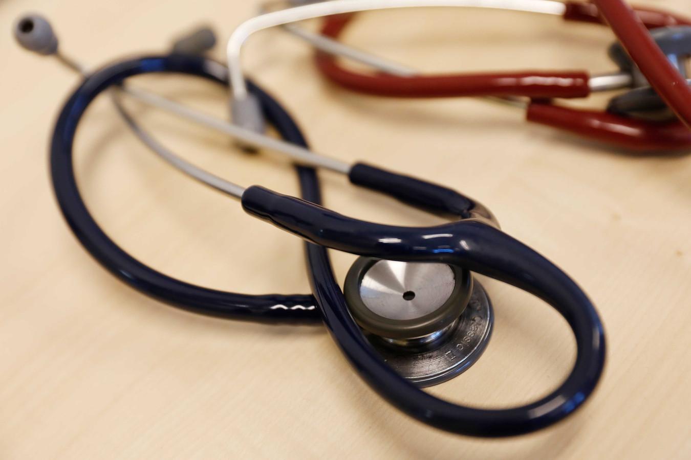 Iedere huisarts moet aan zijn patiënten vooraf laten weten hoe hij of zij denkt over euthanasie. Regeringspartij VVD wil dat regelen.