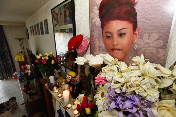 In het ouderlijk huis hangen foto's van de toen 15-jarige Rachel.