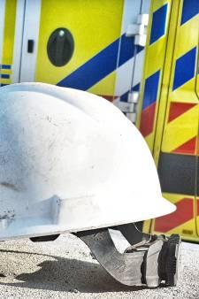 Bouwhelm redt leven tijdens bedrijfsongeval in Capelle