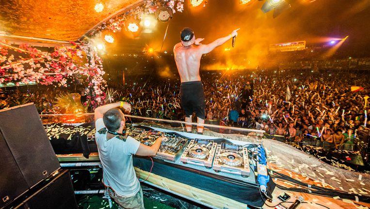 Dimitri Vegas & Like Mike tijdens de vorige editie van Tomorrowland. Beeld BELGA