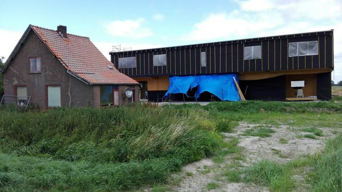 Een van de foto's die VVD-raadslid Robert van Dijk gebruikte ter illustratie van zijn vragen over De Campus aan De Laagt bij Almkerk.