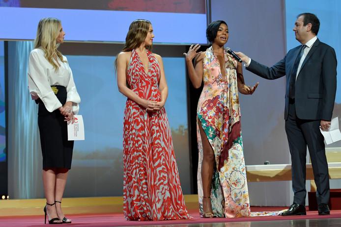 """Jessica Alba et Gabrielle Union ont présenté, en avant-première, le premier épisode de """"L.A.'s Finest"""" au 59ème Festival de Télévision de Monte-Carlo."""
