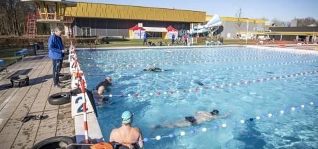 Eerste buitenbad van Twente is open: 'Ik word hier helemaal happy van'