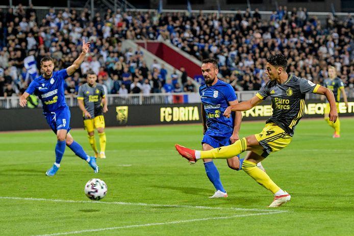 Naoufal Bannis mist een kans in het eerste duel met FC Drita.