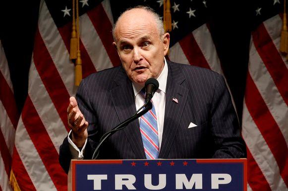 Uit de documenten blijkt dat Pompeo en Giuliani (foto) op 26 en 29 maart contact hadden met elkaar. Dat kan belangrijk zijn voor het impeachment-onderzoek.