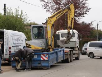 Arbeider krijgt kraanarm tegen het hoofd bij lossen van vrachtwagen