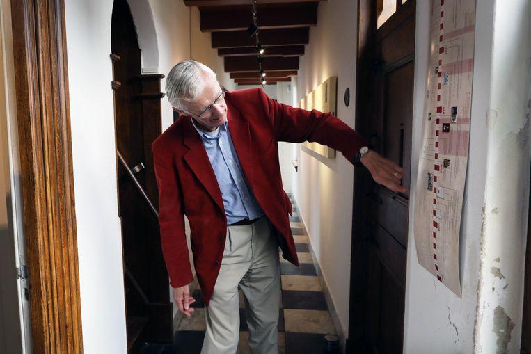 Albert Vossepoel in het Rijnburgse Spinozahuisje.  Beeld Werry Crone