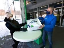 Schaatsen vliegen de deur uit bij Obelink in Winterswijk: 'Blij om weer klanten te zien'