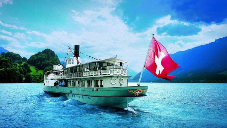 Een boottochtje op het meer van Lugano is een absolute aanrader. Beeld UNKNOWN