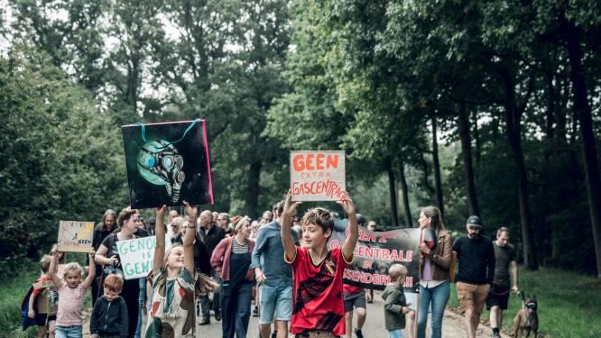 """Actiegroep viert dat Demir nieuwe gascentrale in Tessenderlo weigert: """"Als inwoners kunnen we toch iets bereiken. We hebben een fles champagne ontkurkt"""""""