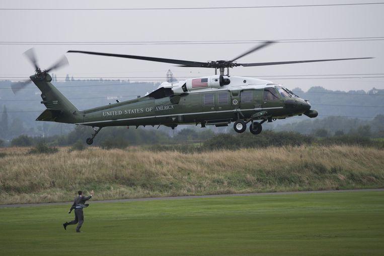 De Marine One, de presidentiële helikopter landt in Wales Beeld afp