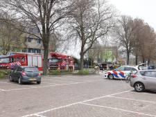Magneetvissers vissen granaat uit Tweede Wereldoorlog uit het water in Zwolle