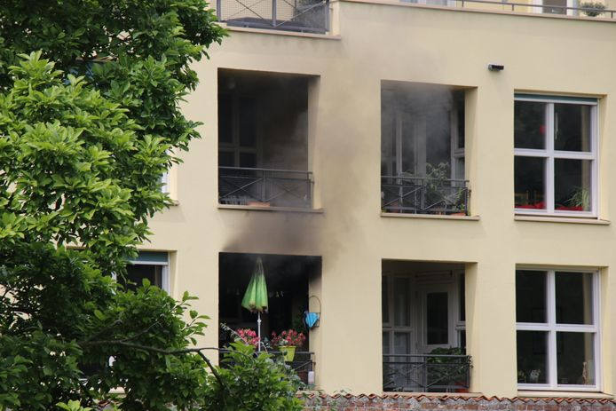 De brand in Zutphen veroorzaakte vooral veel rookschade.