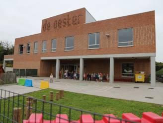 "Vier klassen De Oester in quarantaine na coronabesmettingen: ""80 kinderen 10 dagen in quarantaine"""