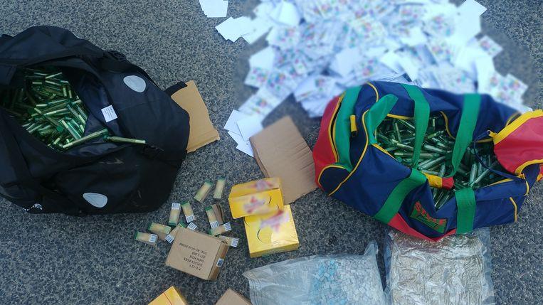 Een deel van de drugs die Roelf B. verhandelde in Boedapest. Beeld Hongaarse politie