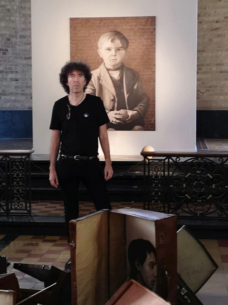 Luc Baeyens exposeerde 'Left Luggage' vorig jaar voor 3.000 bezoekers in Kapel Ster der Zee in Koksijde.