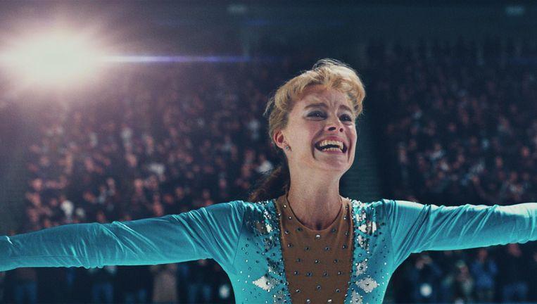 Margot Robbie schittert als de ambitieuze, grofgebekte Tonya Harding. Beeld I, Tonya
