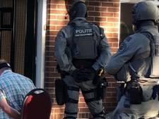 Grote politieactie tegen synthetische drugs: 16 invallen door heel Nederland, 6 arrestaties