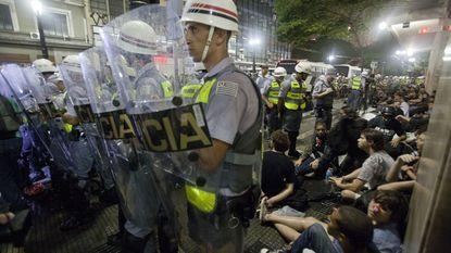 Betoging in Sao Paulo tegen WK voetbal loopt uit de hand