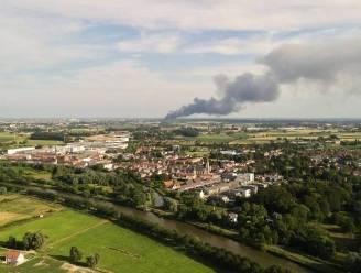 Rookwolk door zware brand in Frankrijk tot kilometers ver te zien bij ons