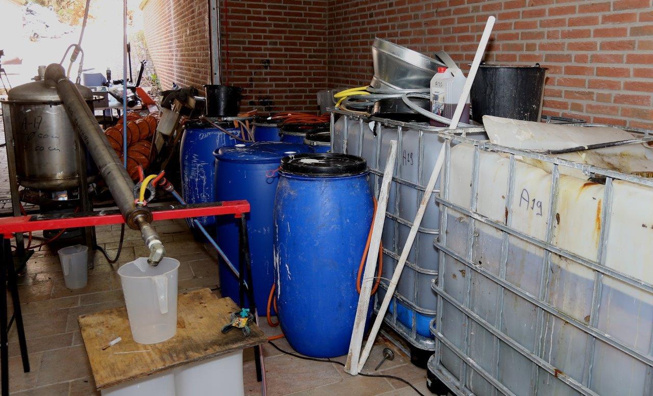 Het drugslaboratorium in de woning in Esch.
