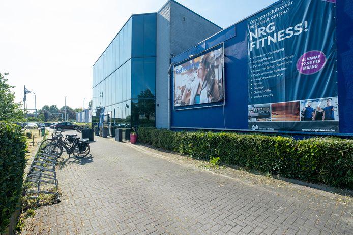 Een foto van het huidige gebouw van NRG fitness.