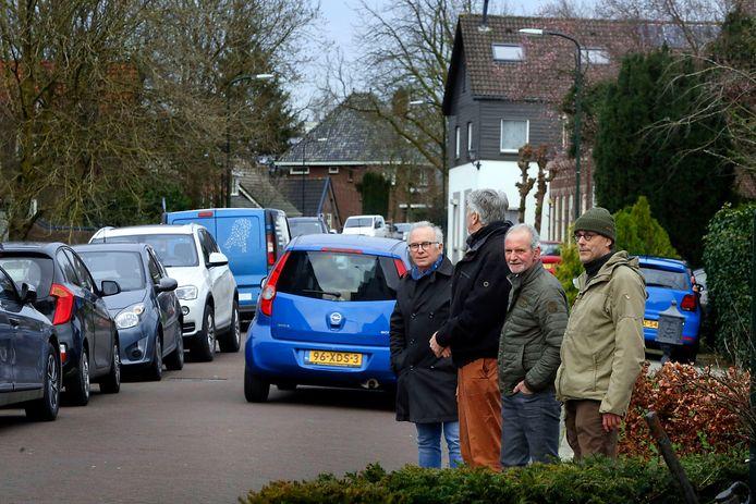 Volgens bewoners en omwonenden van de Rivierdijk en Peulenstraat-Zuid in Hardinxveld-Giessendam zijn hun straten te smal om het extra verkeer van de IJzergieterij aan te kunnen. Alle belangengroepen lopen echter te hoop tegen de gemeente, die daar heel anders over denkt.