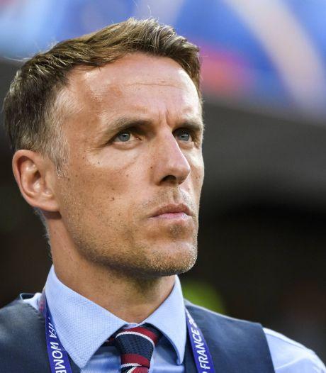 Neville stopt in 2021 als bondscoach Engelse voetbalvrouwen