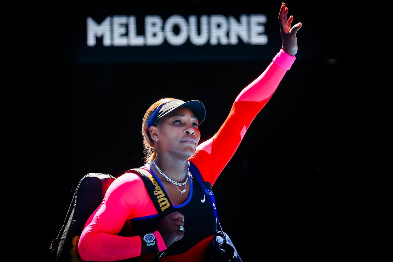 Serena Williams gaf na haar uitschakeling een uitgebreid afscheid aan het publiek. Beeld BELGA