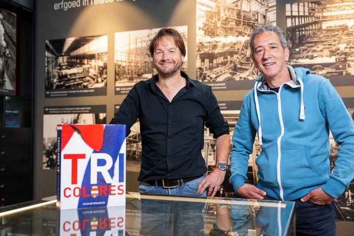 Koen van Santvoord (links) en Leon van Eijndhoven: de schrijvers van 'Tricolores, 125 jaar Willem II'.