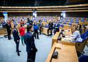 Kamervoorzitter Vera Bergkamp spreekt de fractievoorzitters toe voorafgaand aan het debat in de Tweede Kamer over het eindverslag van de informateur.