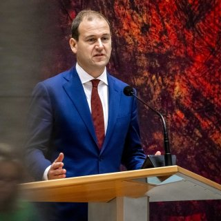 pvda-eist-dat-kabinet-weer-in-crisismodus-gaat