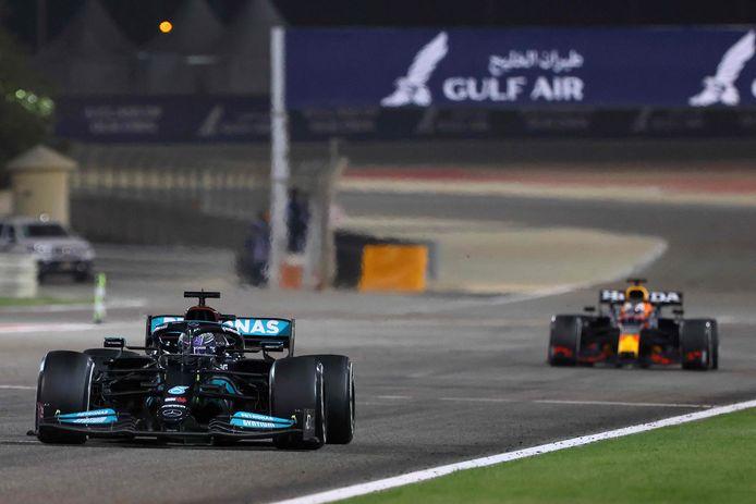 Max Verstappen slaagde er in de slotronde niet meer in om het gat met Lewis Hamilton te dichten.