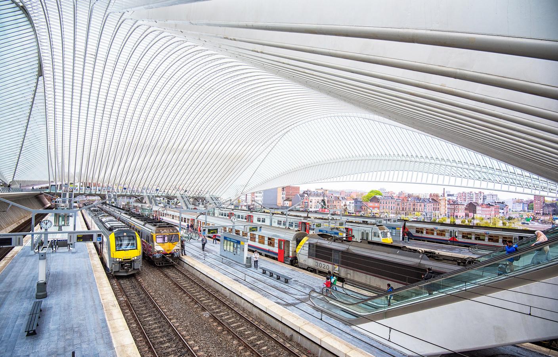 Het nieuwe TGV-station in Luik is strak en modern.