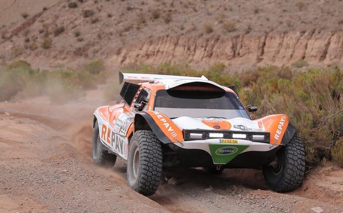 Ebert Dollevoet tijdens de vierde etappe van de Dakar Rally 2017 die ze niet zouden uitrijden.