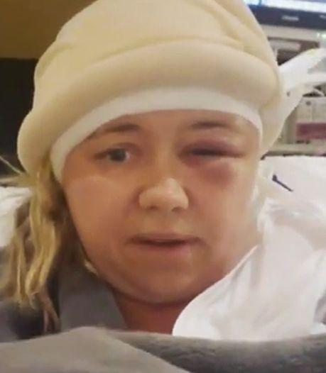 Une enseignante américaine lit un livre à ses élèves depuis son lit d'hôpital, après une opération du cerveau